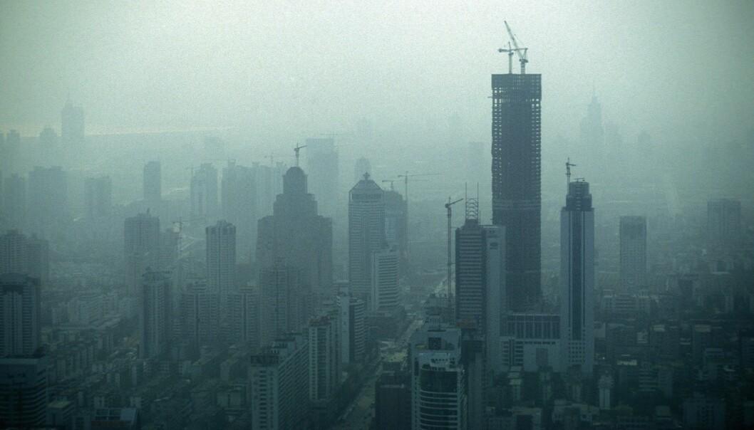 Kina er nå det landet i verden som slipper ut mest CO<sub>2</sub>. Her fra byen Shenzhen nord for Hong Kong i provinsen Guangdong. (Foto: Colourbox)