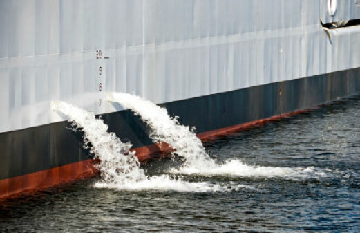 How to deal with ballast water