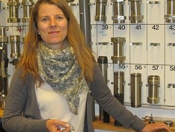 Project manager Kristin Spildo is working to find out which particles are best suited for recovering more oil from different rock types. (Photo: UiB)