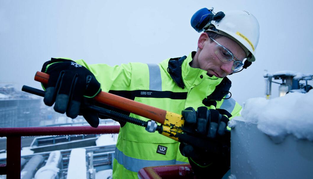 Arbeidstøy for nordområdene krever tekniske materialer og høy grad av komfort og funksjonalitet. (Foto: Sintef)