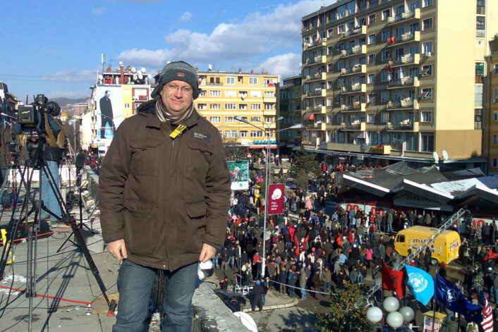 Kenneth Andresen i Pristina under Kosovos selvstendighetserklæring i 2008. (Foto: Privat)