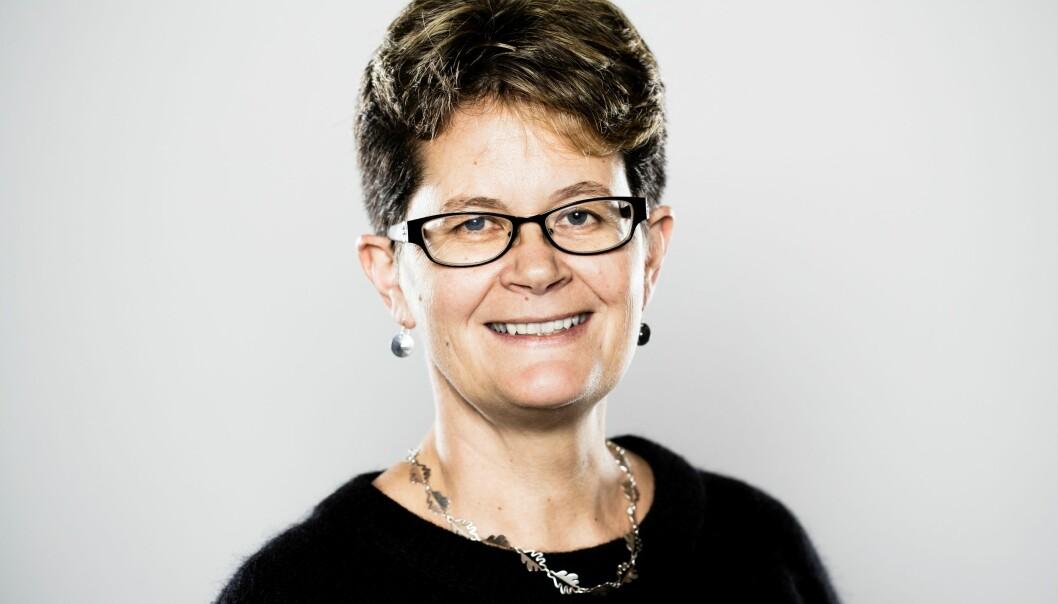 – Vi jobber med å utvikle foredlingsmetoder som gjør at fôr basert på biomasse som trær, alger og gras kan være konkurransedyktig i pris, sier Margareth Øverland, professor i husdyrernæring.  (Foto: Håkon Sparre, NMBU)
