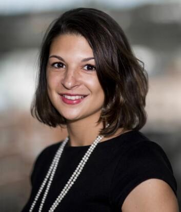 Dominique Kost, doktorgradsstipendiat ved Handelshøyskolen BI, har testet ut hvordan team kommuniserer og løser vanskelige oppgaver. (Foto: BI)