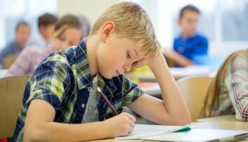 Forskernes studie baserer seg på over to millioner nasjonale tester som er tatt i den danske skolen, i skoleårene 2009/10 til 2012/13. Forskerne undersøkte om det var en sammenheng mellom hvilket tidspunkt på dagen elevene ble testet og hvor gode resultatene deres var. Resultatene viste at jo senere de ble testet, jo dårligere var prestasjonene. (Illustrasjonsfoto: Syda Productions/Shutterstock/NTB scanpix)