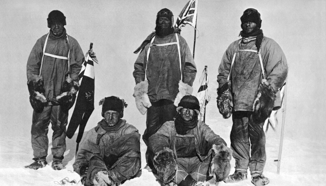 En skuffet Scott (i midten bak) nådde fram til Sydpolen i 1912, bare for å oppdage at Roald Amundsen hadde vært der først. Bildet er framkalt fra et negativ som letemannskapet i 1913 fant sammen med de frosne kroppene til medlemmene av ekspedisjonen. (Foto: Mary Evans Picture)