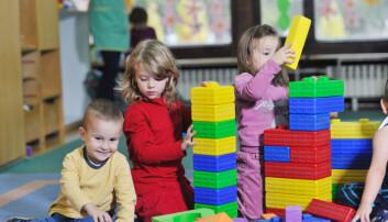– Om barna selv kan velge når og hva de vil leke med, gir det dem større handlefrihet og de blir mindre avhengige av ansattes hjelp eller godkjenning, sier  (Foto: dotshock, Shutterstock, NTB scanpix)