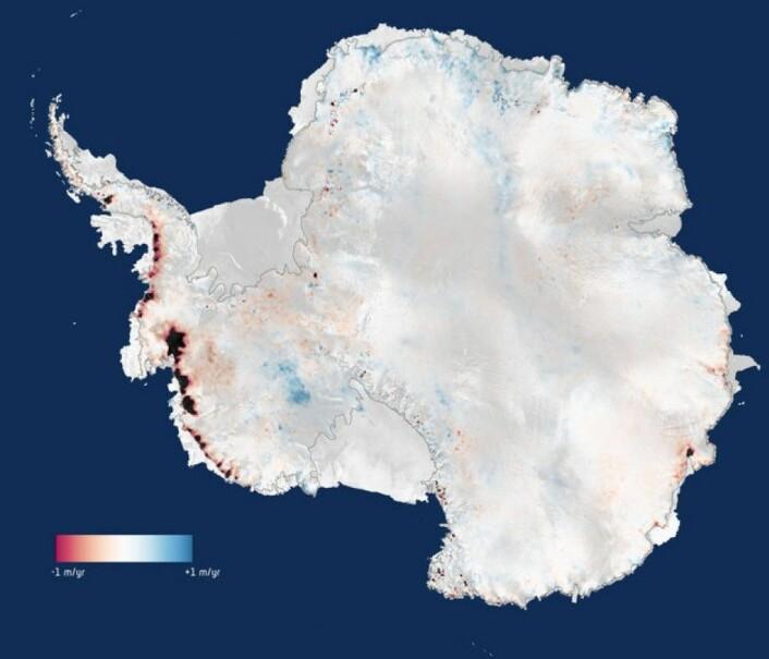 ESAs satellitt CryoSat viser at Antarktis mistet 159 milliarder tonn is hvert år (markert i rødt og svart) fra 2010 til 2013.  (Foto:  CPOM/Leeds/ESA)