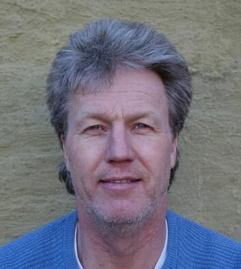 Bjørn Barland, førsteamanuensis ved Politihøgskolen, har fulgt kroppsbyggermiljøet i to tiår. Nå har han skrevet bok om det.  (Foto: PHS)