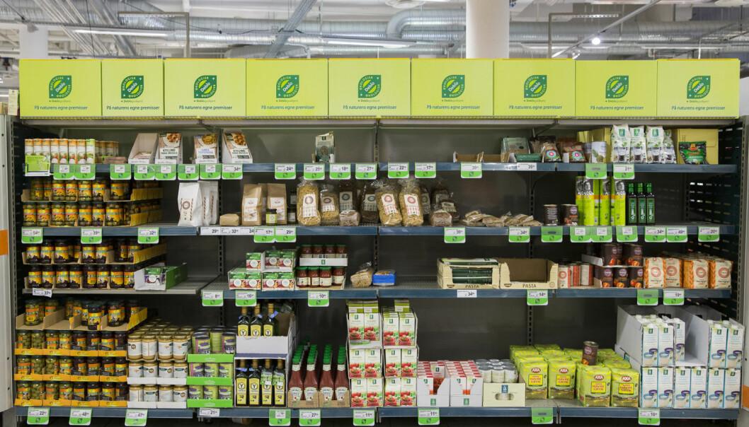 Det er ikke bare den økologiske maten norske forbrukere vil ha. De er også interessert i å vite hvor den kommer fra, hvordan dyrene og plantene har blitt behandlet, hva slags påvirkning den har hatt på miljøet og hvilken historie som følger maten. Dette bør norske bedrifter utnytte mer, ifølge kronikkforfatteren. (Foto: Berit Roald / NTB scanpix)