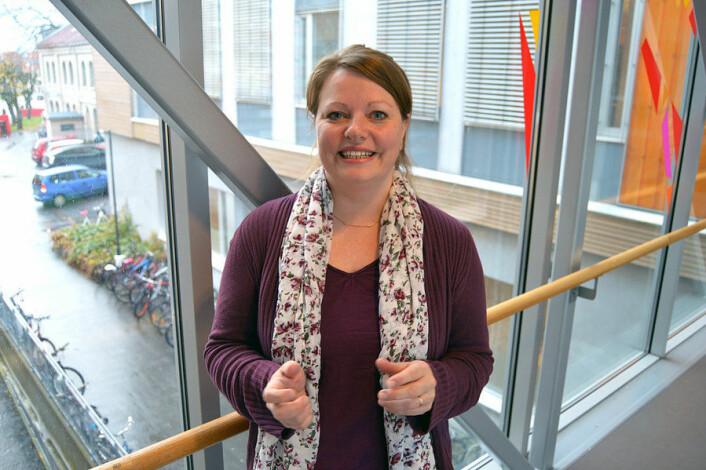 – Det er kjent at belastende livserfaringer påvirker folks helse, sier fastlege og forsker Bente Prytz Mjølstad. (Foto: Vibeke Ann Pettersen, NTNU)