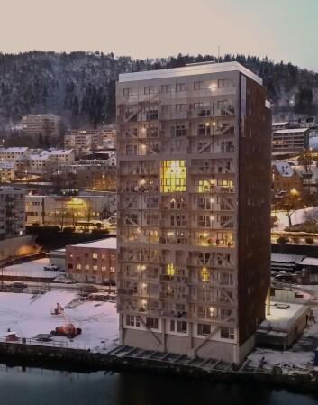 I Bergen står verdens høyeste trehus bygget av moduler. Og huset har naturligvis fått navnet «Treet». (Foto: BOB)