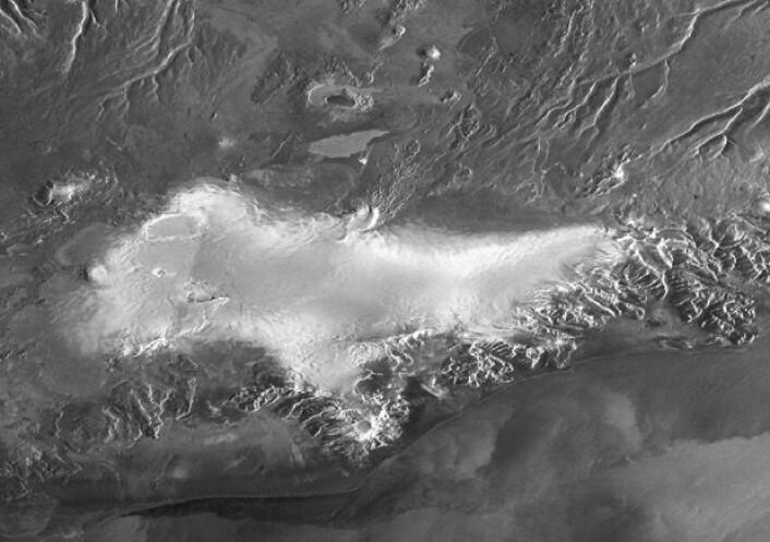 Vatnajøkull på Island sett fra radarsatellitten Sentinel-1A på morgenkvisten fredag 5. februar. (NB: Kartprojeksjonen her er litt sær). (Bilde: Copernicus Sentinel data 2016)