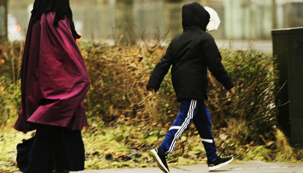 Stipendiat Kari Bergset har lenge interessert seg for korleis flyktningar ser på det å vere foreldre i Noreg. No har ho intervjua 16 familiar med bakgrunn som flyktningar.  (Foto: Mikkel Østergaard, Scanpix Denmark/NTB scanpix)