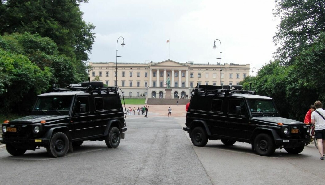 Tourists feel safer in Norway after the terror acts on Utøya island and central Oslo in the summer of 2011. Photo is taken in front of the Norwegian Royal Palace. (Photo: Colourbox)