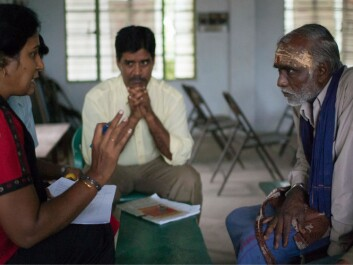 Dr V. Geethalakshmi from Tamil Nadu Agricultural University (TNAU) to the left, interviewing and discussing with a local farmer. Nagothu Udaya Sekhar from Bioforsk in the background. (Photo: Ragnar Våga Pedersen)