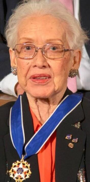 Katherine Johnson bidro til den vellykkede amerikanske månelandingen med Apollo i 1969. I november 2015 hedret Barak Obama henne med medalje.  (Foto: NASA)