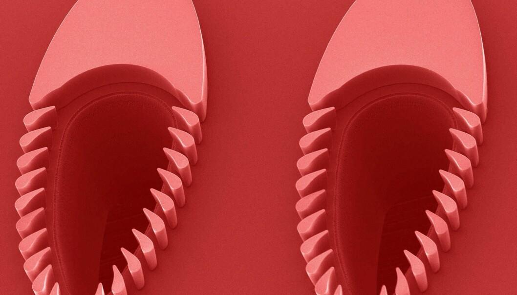 Forskere etser ut mønsteret for trilobitten i en silisiumskive. De må lage en struktur der spaltene skal være veldig små – samtidig som de står i kanaler som er flere millimeter store. (Foto: Trilobite Microsystem)