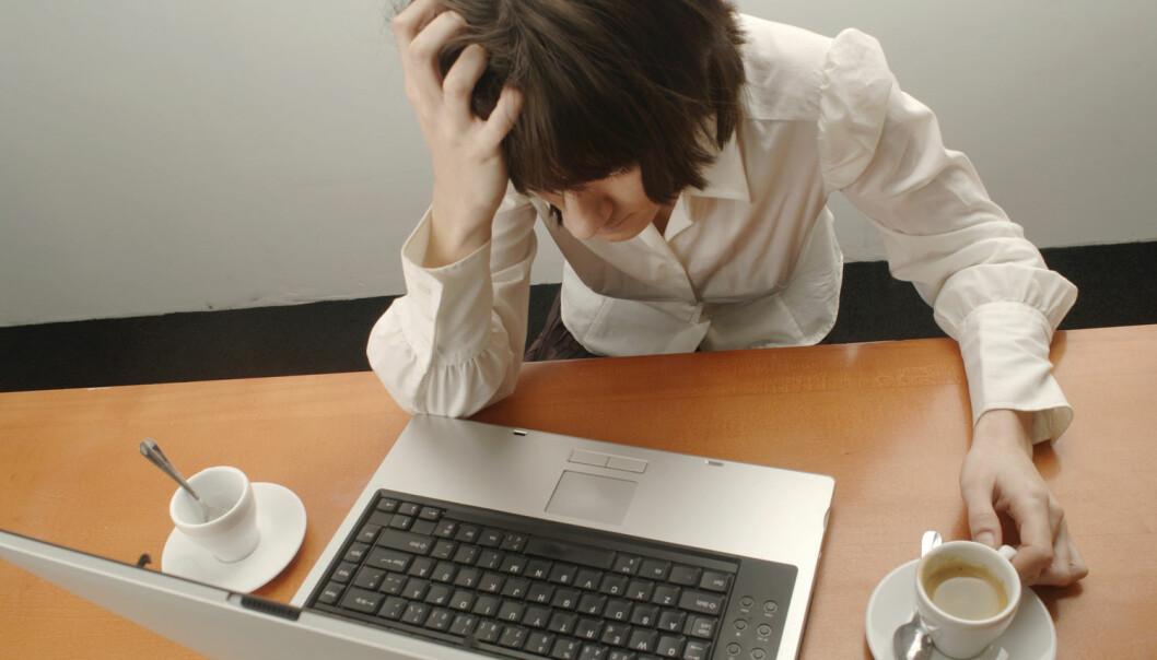 Syns du e-posten bombarderer deg med krav, mens du egentlig skulle gjort noe annet? Det er særlig tre uvaner som fører til mer stress, viser en ny studie. (Foto: Plainpicture/NTB Scanpix)