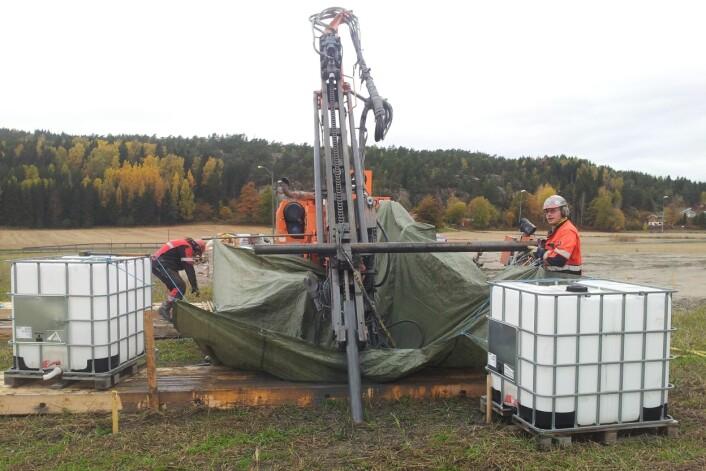 Forskerne benyttet et forsøksfelt til å teste ut ulike boremetoder og konkluderer med at boremetode i større grad enn før bør tilpasses de lokale grunnforholdene. (Foto: NGI)