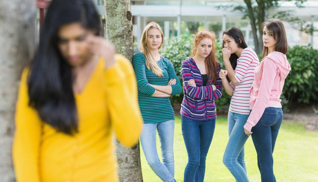 Hvis barn mobber andre, har de voksnes reaksjon stor betydning for om mobbingen fortsetter. (Foto: Microstock)