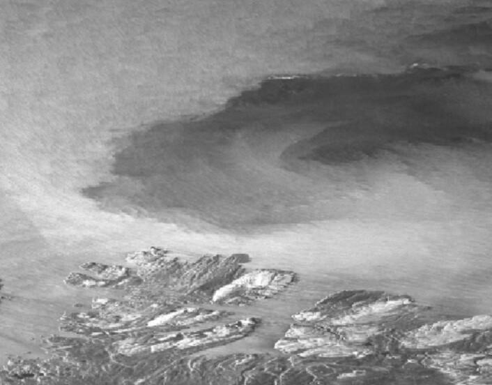 Radarsatellittbilde fra kysten av Finnmark andre juledag. (Bilde: Copernicus Sentinel data 2015).