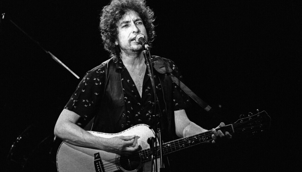 Bob Dylan opptrer i Drammenshallen i 1981. Det er ikke umulig at noen i publikum den gangen er blitt forskere. Vil de sitere Dylan, tro?   (Foto: NTB Scanpix)
