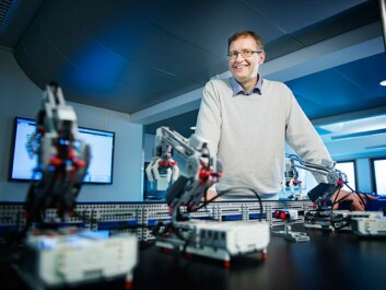 With the help of Lego Mindstorms, pupils can build entire production lines where products can undergo different processes, just like in real-life processes. HiOA researcher Birger Brevik has studied how such simulated processes are used as educational tools. (Photo: Benjamin A. Ward)