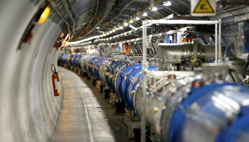 Inne i dette røret foregår jakten på nye partikler. (Foto: Pierre Albouy, Reuters)