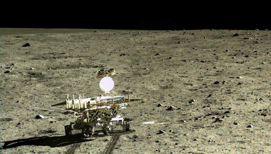 Månebilen Yutu har funnet nytt om lavabergartene på månesletta Mare Imbrium. Her er den fotografert fra moderfartøyet Chang'e 3 i desember 2013. (Foto: Chinese Lunar Exploration Program (CLEP)/ China National   Space Administration (CNSA))