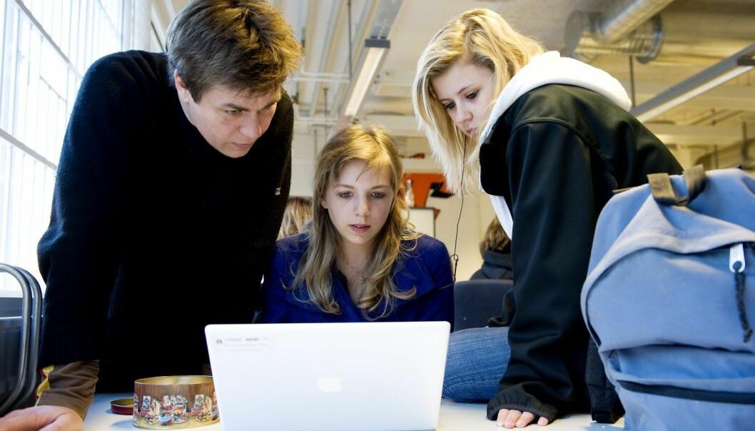 Heile 27 av dei 30 som deltok i kodetimane ved Leikanger skule, svarte at dei gjerne ville lære meir om koding, aller helst på skulen.  (Foto: Wimsy Møller, Samfoto, NTB scanpix)