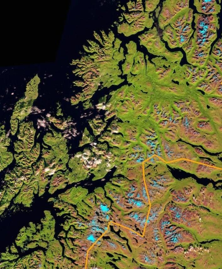 Troms sett fra Sentinel-2A. (Bilde: Copernicus Sentinel data 2015. Prosessert ved Institutt for geofag, UiO).