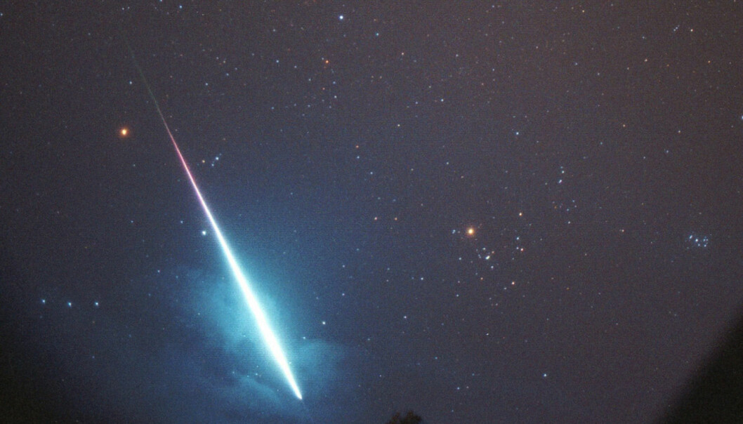 Shooting stars are actually meteors. By watching how the tails on shooting stars behave, researchers can get information about winds and temperatures high above the Earth, which in turn can help improve weather forecasts. (Photo: Arne Danielsen, NTB scanpix)