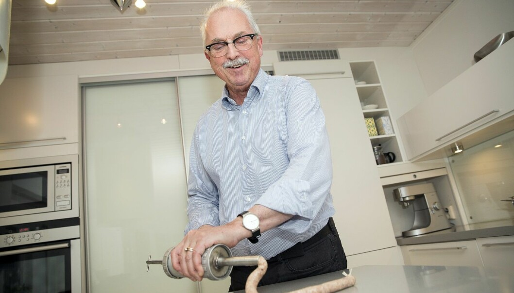 Professor Trygve Magne Eikevik has been making his own traditional Christmas sausages for 30 years. It requires both art and science. (Photo:Ole Morten Melgård, NTNU)