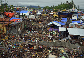Students rebuild an orphanage after Typhoon Yolanda