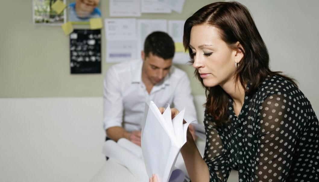 Kvinner begynner å jobbe i det offentlige når de får barn