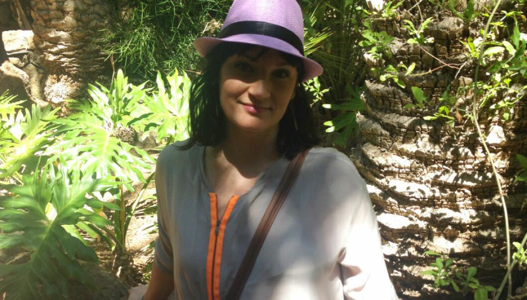 Psykolog Ayna Johansen har ingen negative språklige hang-ups, men syns ordet «tverrfaglig» brukes for mye og sier lite om hva behandlere egentlig gjør.  (Foto: privat)