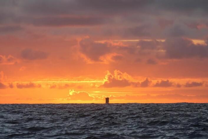 Rahiti Tane i solnedgang. (Foto: Håkon Wium Lie, Kon-Tiki 2)