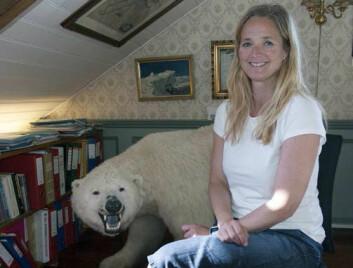 Lena Aarekol er daglig leder ved Polarmuseet i Tromsø, og interessert i historien om troféjakt på Svalbard.  (Foto: Karine Nigar Aarskog)