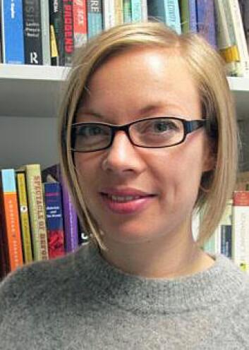 Sara Orning har forsket på hvordan det å ha ansvar for barn påvirker menns og kvinners karrieremuligheter i akademia.  (Foto: Ida Roland Birkvad)