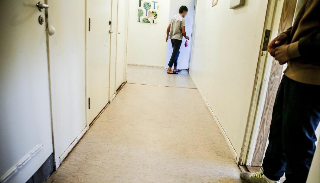 En levekårsundersøkelse blant barn som er i asylsøkerfasen viser at mange føler seg utrygge. Per 17. november var det 8352 barn i mottak i Norge. 3792 av dem er enslige mindreårige over 15 år. (Foto: Stein J. Bjørge, Aftenposten)