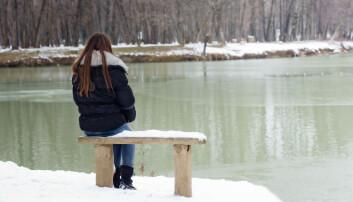 Omkring ti prosent av alle dansker har symptomer på vinterdepresjon. Negative tanker om egne evner er et av de tydelige symptomene. (Foto: Mita Stock Images, Shutterstock, NTB scanpix)