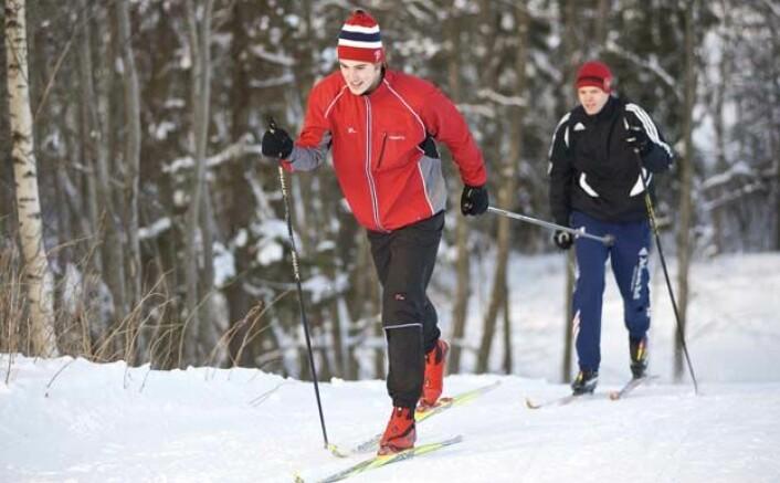 Studenter ved Norges idrettshøgskole i klassisk stil. (Foto: NIH)