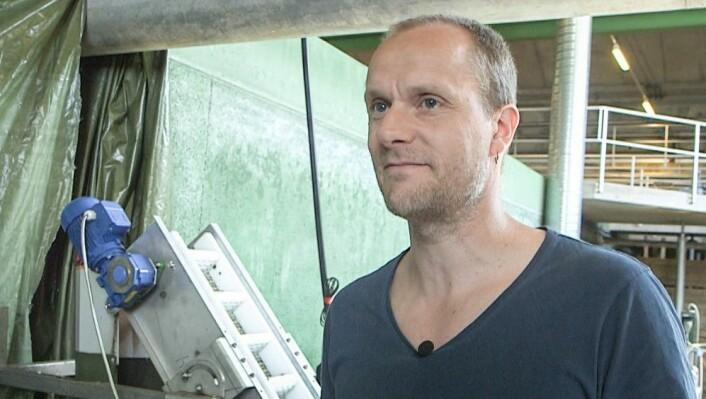 Torgeir Saltnes er dr. ingeniør og ansvarlig for prosessutvikling ved Hias på Hamar. (Foto: Bjørn Steinar Gundersen, NRK)