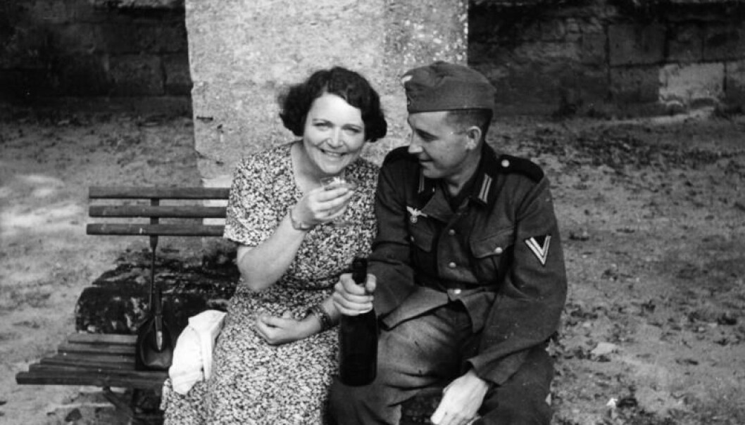 Women who were involved with German soldiers during the war were subject to persecution and punishment. (Photo: Deutsches Bundesarkiv/Wikimedia Commons)