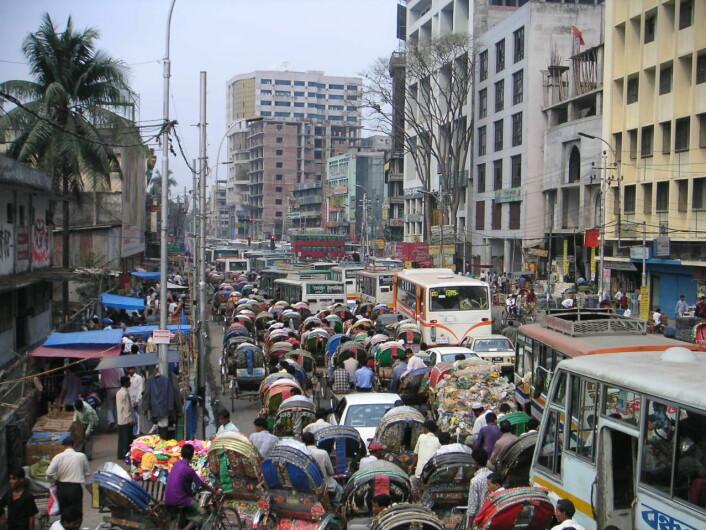 To ganger i året skyller kolerabakterien fra Ganges inn i Bangladeshs hovedstad Dhakas slumområder.  (Foto: Wikimedia Commons)