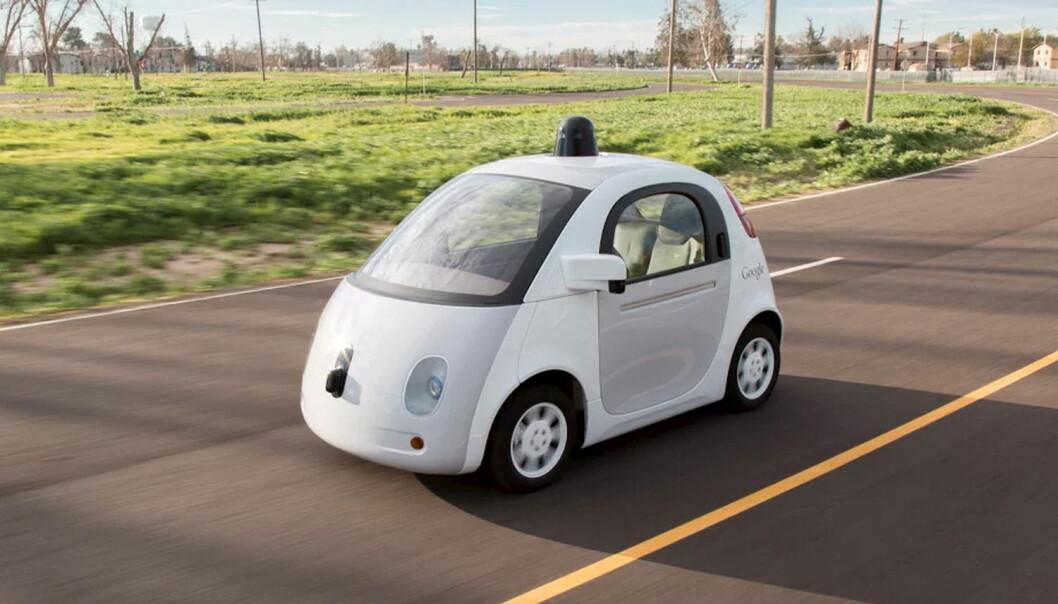 Google er antagelig lengst fremme i utviklingen av en helt førerløs bil. Google-bilen blir nå testkjørt på veier i USA. Det sitter fortsatt et menneske i bilen som kan gripe inn hvis noe holder på å gå galt.  (Illustrasjon: Handout, Reuters)