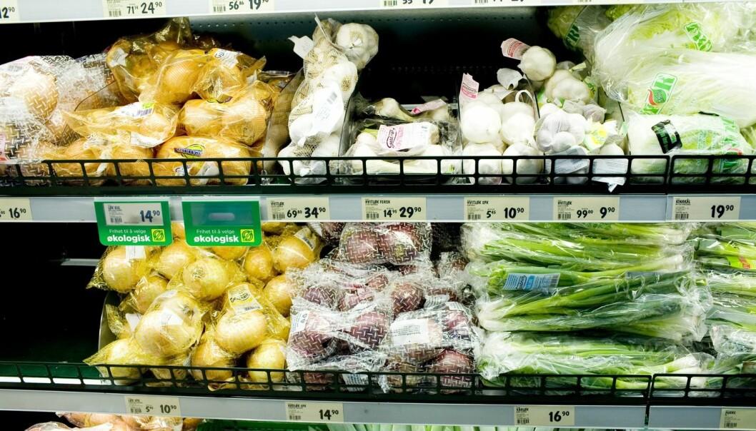 Færre kjeder får stadig mer makt over vareutvalg og priser. – Forbrukere er for lojale, vi bør bli mer kritiske og mindre tillitsfulle, sier forsker i SIFO.  (Foto: Sara Johannessen)