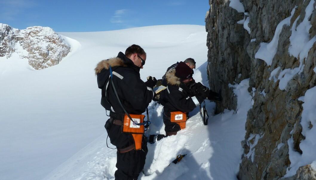 The team of geologists on fieldwork in north eastern Spitsbergen. (Photo: Doug Benn, UNIS)