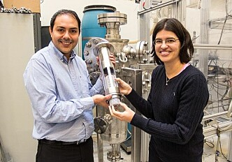 Cleaning ship emissions with metal sponge cells