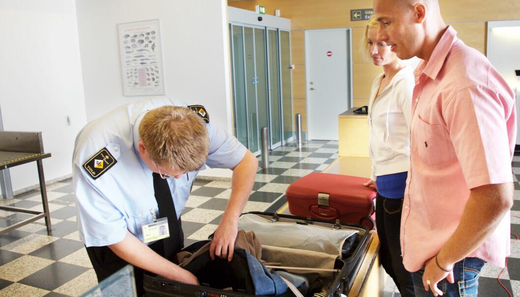 – Regelverket er konstruert for store internasjonale flyplasser. Utfordringene var store når samme regelverk ble innført på lufthavner som Båtsfjord og Berlevåg, sier forsker Elise Anonby Olsvik. (Illustrasjonsfoto: Colourbox)